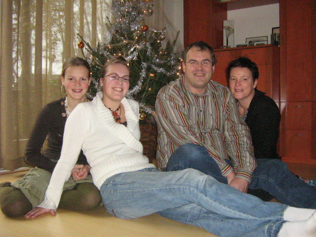 Familie R. Dam, Zeijen